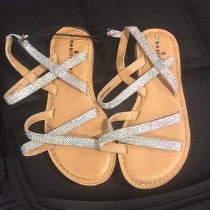 Little girls sandals (x)